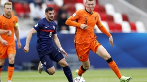 Perr Schuurs weigert taxi na Jong Oranje-stunt: 'Ongeluk in klein hoekje'