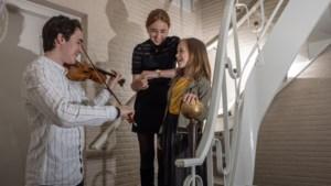 Emma van The Voice Kids uit Kerkrade is niet het enige talent in het gezin: 'Wij zijn nooit jaloers op elkaar'