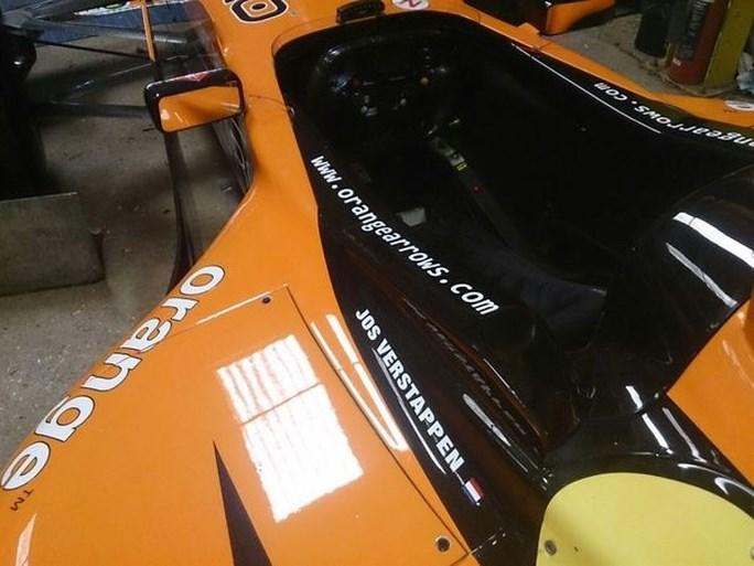 F1-auto van Jos Verstappen kopen? Dat kan, maar er zit wel een addertje onder het gras