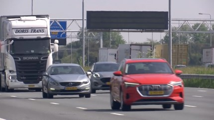 Meerderheid Nederlanders is snelheidslimiet beu