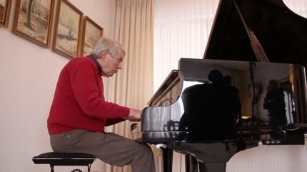 Bijzonder resultaat van een jaar corona-isolatie: Erich Stratmann (81) componeerde een echte 'Kerkraadse klassieker'