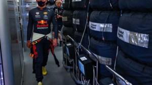 Teamgenoot Sergio Pérez helpt Max Verstappen uit de brand