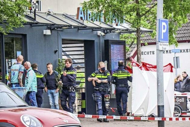Minderjarig slachtoffer steekpartij Albert Heijn Hoogkerk overleden, verdachte aangehouden