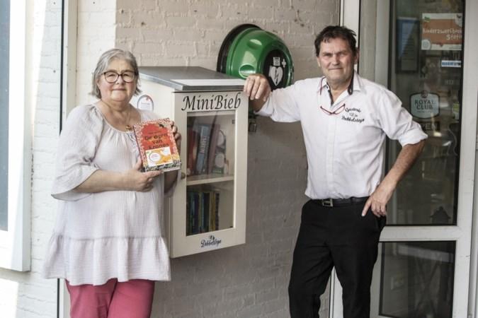 Dag van de Minibieb: een kijkje bij bibliotheekjes in Doenrade en Geleen: 'De boekenplankjes zijn nooit leeg'