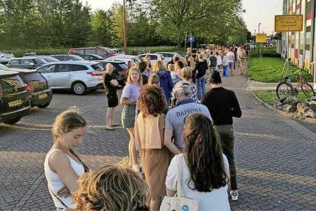 GGD geeft Janssen-prik weg, 1200 mensen op de been: 'Echt bizar dit'