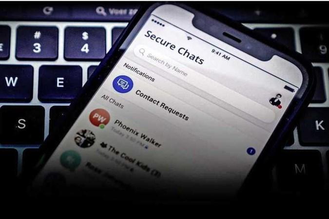 Criminelen kochten massaal door politie op markt gebrachte cryptotelefoons; agenten lezen maandenlang mee met berichten