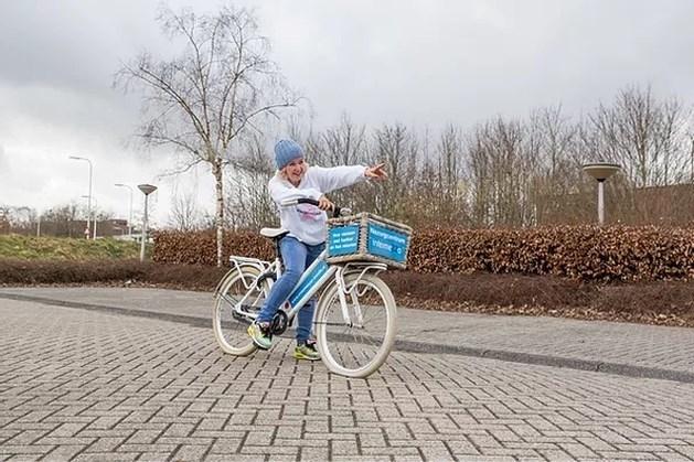 Evelien van der Werff bezoekt Toon Hermans Huis in Sittard en vraagt meer bekendheid voor IPSO inloophuizen