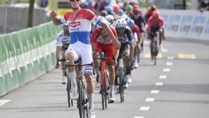 Mathieu van der Poel wint ook derde etappe in ronde van Zwitserland