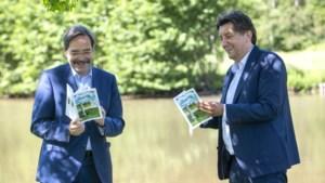 Oud-gouverneurs Theo Bovens en Herman Reynders presenteren reisgids met toeristische tips voor beide Limburgen