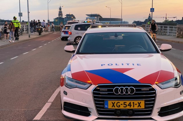 Politie stuurt mensen weg in te druk Griendpark in Maastricht