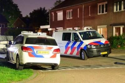 Man overvallen in eigen woning Helden: 'Ze beukten met vuisten op me in'