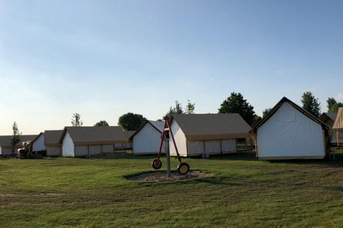 Camping Oriëntal op Rasberg wordt Resort Poort van Maastricht: huisjes en glamping vervangen deels tenten en caravans