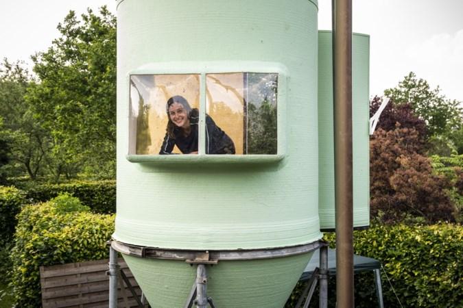 Stella (22) maakt van maissilo in Grathem uitkijktoren waar ze als klein meisje al van droomde