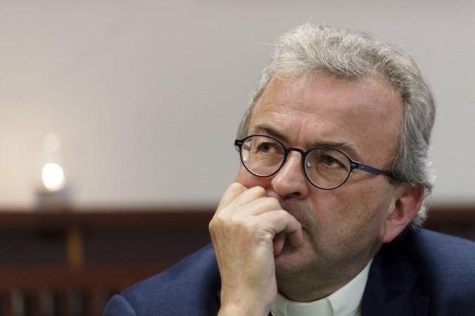 Bisschop Harrie Smeets draagt ook in het ziekenhuis dagelijks de mis op