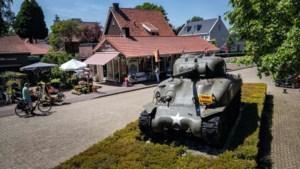 Peter en Pauline wonen naast een tank: 'Op onze zolder werd de basis gelegd voor het Oorlogsmuseum in Overloon'