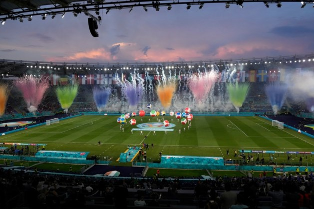 EK voetbal geopend met muzikaal spektakel