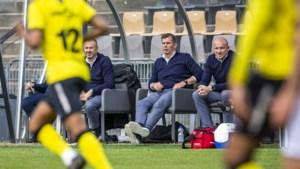 Teammanager Jacobs en assistenten Luijpers en Demouge moeten vertrekken bij VVV