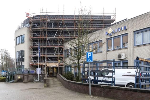 Voortvluchtige man met 11 jaar celtegoed meldt zich bij politie in Roermond