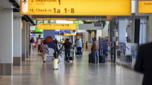 FNV: 'Werknemers Schiphol vrezen chaos op luchthaven bij zomerdrukte'