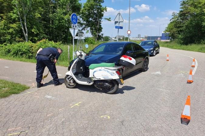 Beek onderneemt actie na verkeersongeluk bij Chemelot waarbij ouder echtpaar gewond raakte