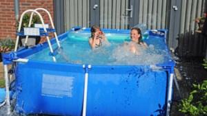 Zo houd je het water in het zwembad in jouw tuin helder en schoon