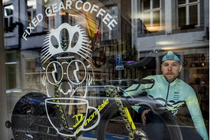 Koffiespecialist Brian Megens, eigenaar van koffiezaken in Valkenburg en Maastricht, daagt profs uit tijdens NK tijdrijden