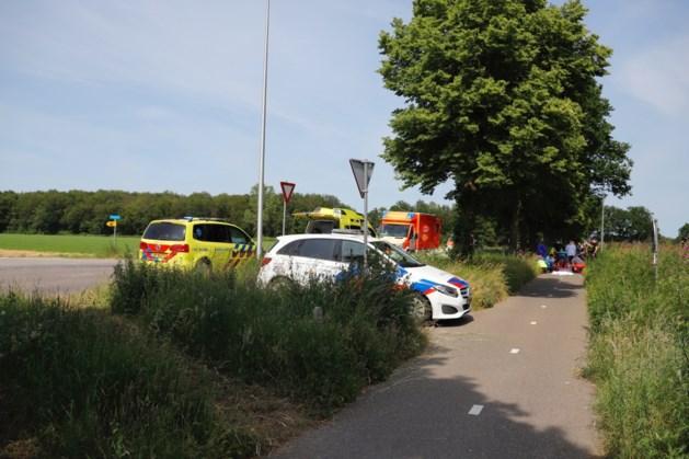Jonge fietsster per traumaheli naar ziekenhuis na ongelukkige val in Siebengewald