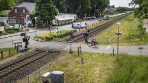 'Afsluiting van de overweg in Smakt splijt het dorp in tweeën'