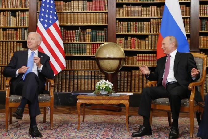 Amerikaanse president Joe Biden waarschuwt Russische ambtgenoot Vladimir Poetin voor sancties bij cyberaanvallen
