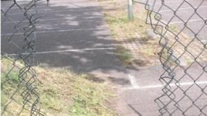 Hek van sportpark De Venhorst in Bergen vernield, club doet aangifte bij politie