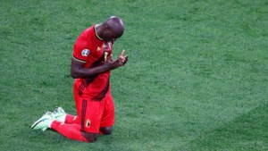Romelu Lukaku dronk als kind melk aangelengd met water; nu is de goalgetter dé leider van de Rode Duivels