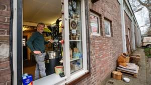 Ondernemers en burgers vechten voor behoud van Charlie's Coffee op Tapijn: 'We zien hem en zijn vrouw kapot gaan van de stress door deze situatie'