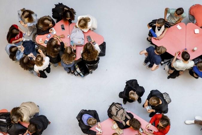 Agoraschool Panningen met vijftig leerlingen in Groene Kruisgebouw