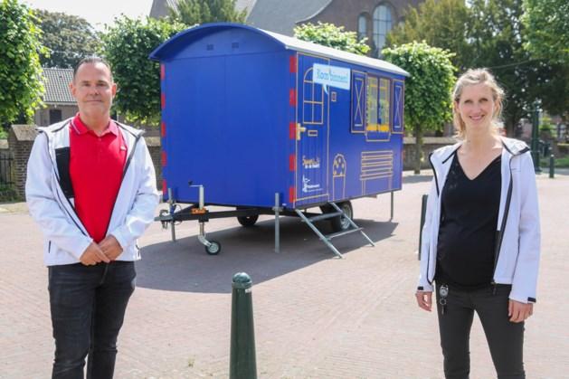 Ambtenaren van Nederweert gaan met een mobiel kantoor op pad