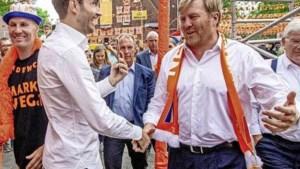 Grapperhaus: koning had zich aan coronaregels moeten houden