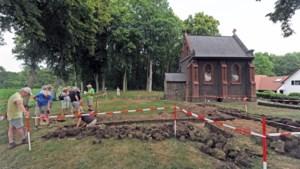 Reuvernaren bouwden eigen kerk, want ze wilden vooral niet in Beesel begraven worden