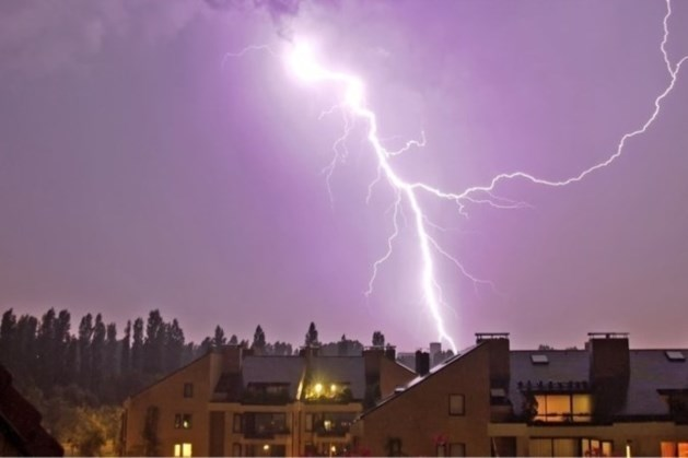 Code geel in Limburg: kans op onweersbuien met zware windstoten