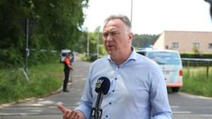Fietsclubje bevestigt verhaal van Maaseiks burgemeester: 'We roken die lijkgeur allemaal'
