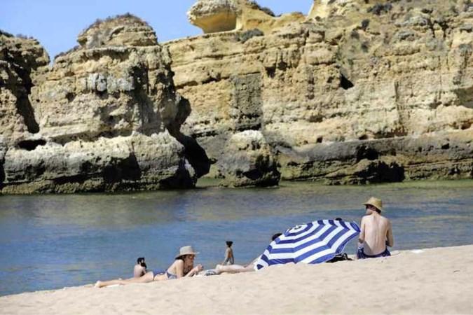 Hoe risicovol is de deltavariant? 'Als jongeren terugkomen van vakantie kan het fout gaan'