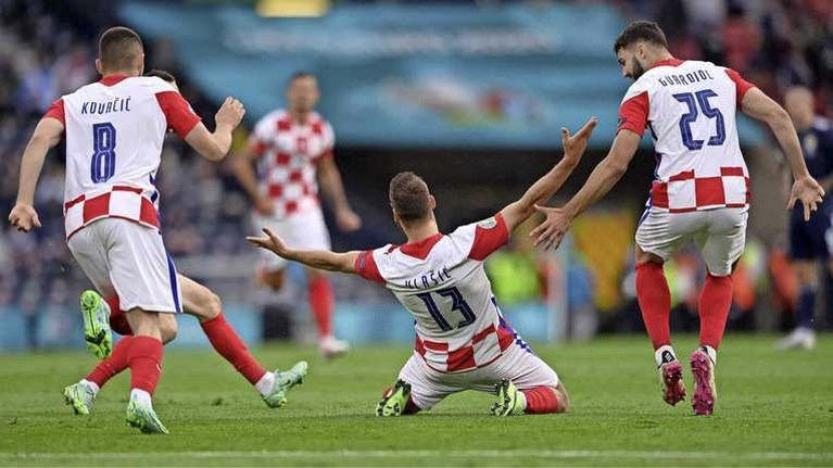 Engeland als groepswinnaar door, Kroaten ook verder