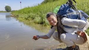 Water drinken uit de Maas? Li An werkt met burgemeesters aan drinkbaar rivierwater, zo uit het handje