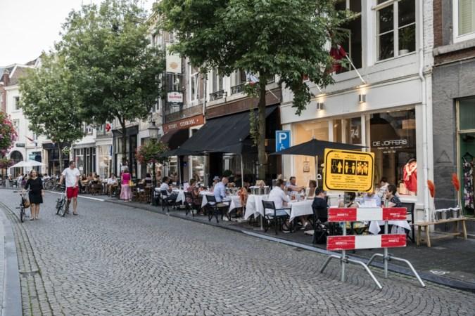 Wyck wordt tijdelijk verkeersluwer: meer ruimte voor voetganger en terras