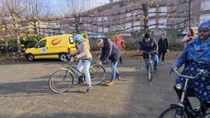 Fietsles voor statushouders bij Glanerbrook in Geleen