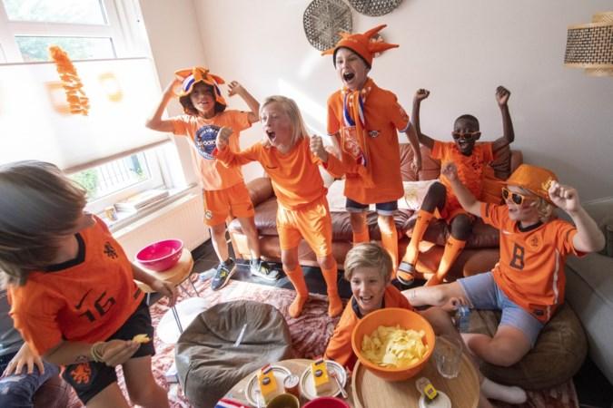 Het Oranje-gevoel: nieuwe dromen voor de jeugd, zoete en zure herinneringen voor volwassen generatie