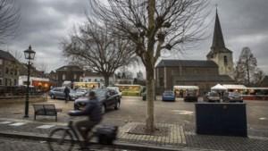 De weekmarkt van Eijsden verhuist van de Vroenhof naar het Kerkplein