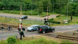 Flitscamera spoorwegovergang Susteren geen overbodige luxe: 'We noemen het hier de Totenstrecke'