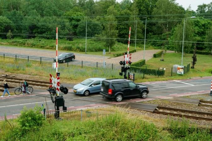 Flitscamera bij spoorwegovergang in Susteren geen overbodige luxe: 'We noemen het hier de Totenstrecke'
