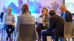 Politici Maastricht nemen twintig burgers mee naar 'ateliersessie'