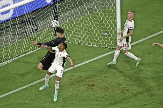 Duitsland kruipt door oog van de naald en voorkomt EK-afgang