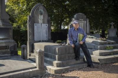 Heemkundige Jan Teunissen (1933-2021) leidde talloze bezoekers rond op zijn geliefde Heerlense stadsbegraafplaats